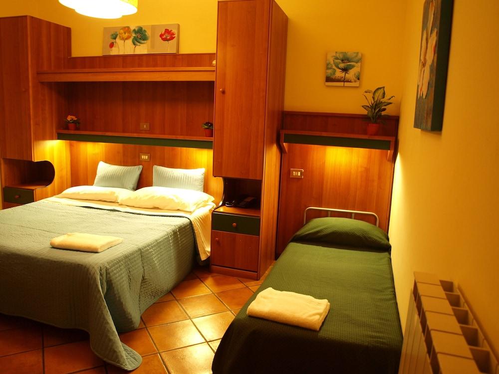 Hotel trastevere reviews photos rates for Hotel trastevere rome