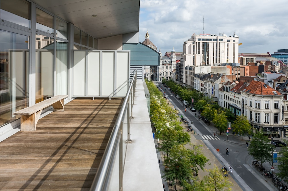 Smartflats design antwerp central antwerp belgium for Design hotel antwerpen