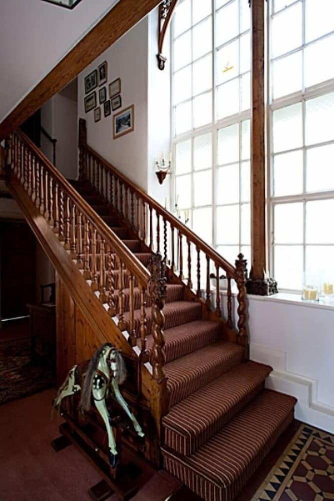 Staircase, Molesworth Manor