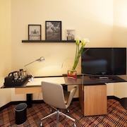 Centre d'affaires dans la chambre