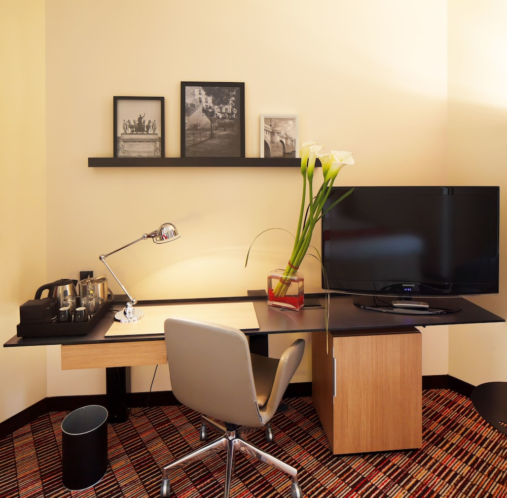 In-Room Business Center, Courtyard by Marriott Paris Boulogne