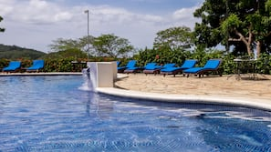 Outdoor pool, pool umbrellas, sun loungers