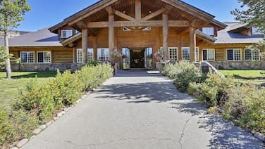 Headwater's Lodge & Cabins at Flagg Ranch