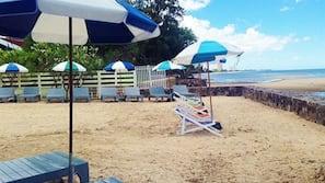 Privat strand i närheten