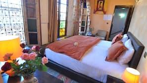 1 間臥室、高級寢具、特厚豪華床墊、保險箱