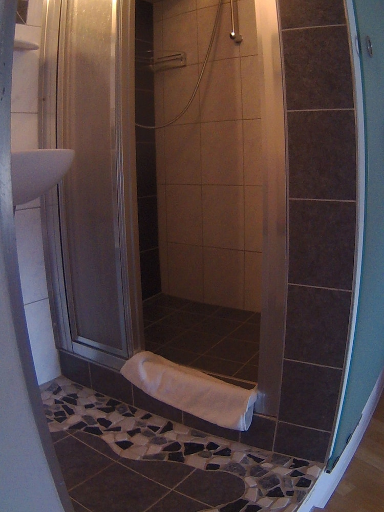 Bathroom, Privatzimmer Johannes