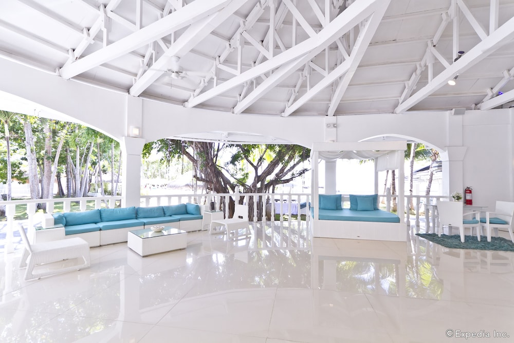 Lobby Sitting Area, Pacific Cebu Resort