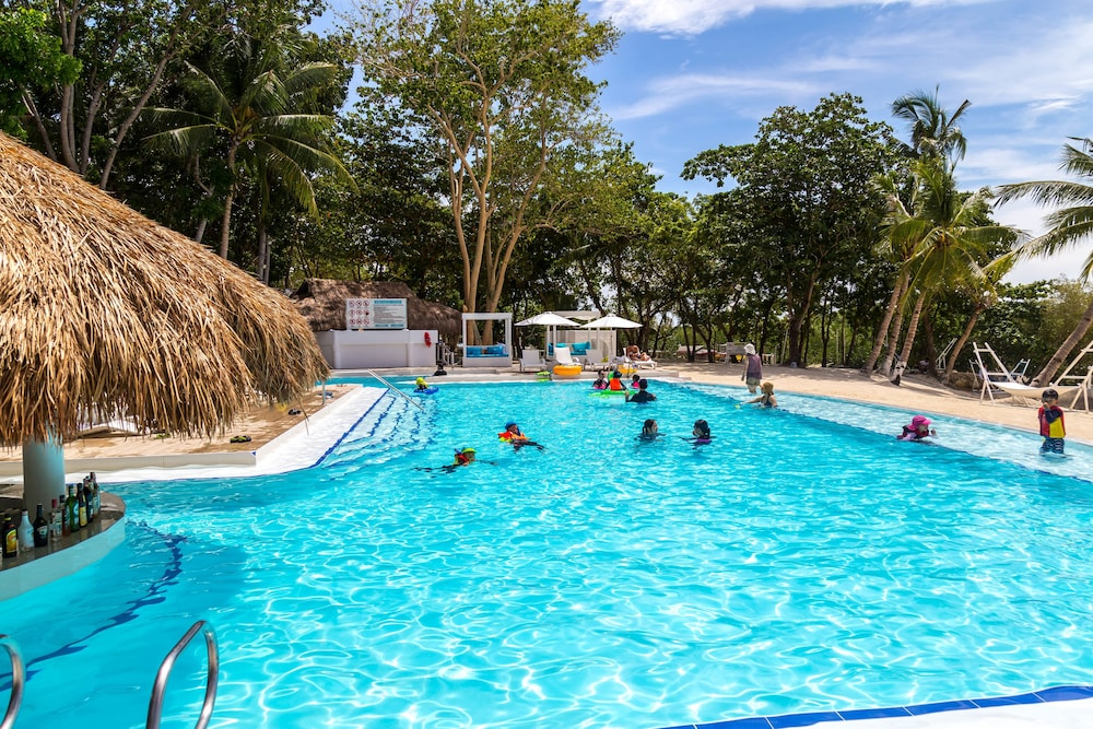 Outdoor Pool, Pacific Cebu Resort