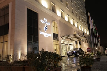 カタールに観光がてら1泊。手頃なホテルが知りたい