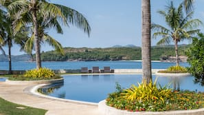 4 outdoor pools, cabanas (surcharge), sun loungers