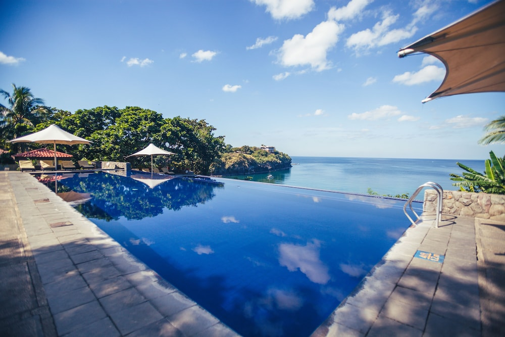 Club punta fuego nasugbu philippines expedia for Batangas beach and swimming pool resort