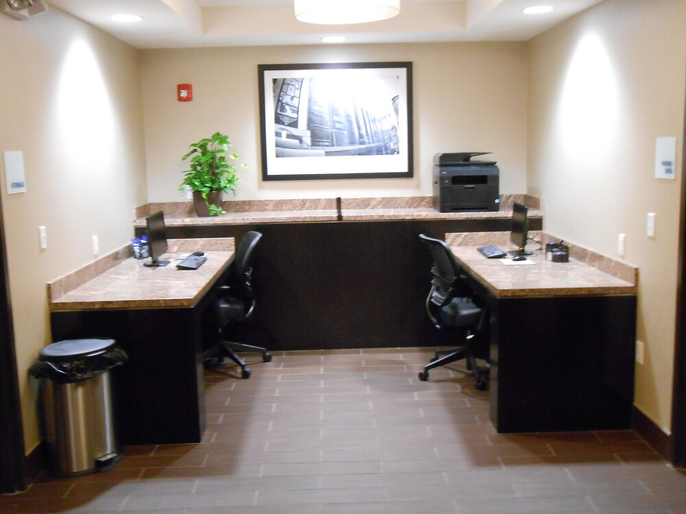 Business Center 10 of 14
