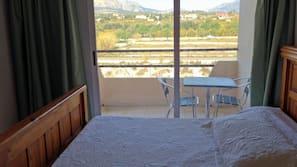 1 dormitorio, ropa de cama de alta calidad, minibar y escritorio