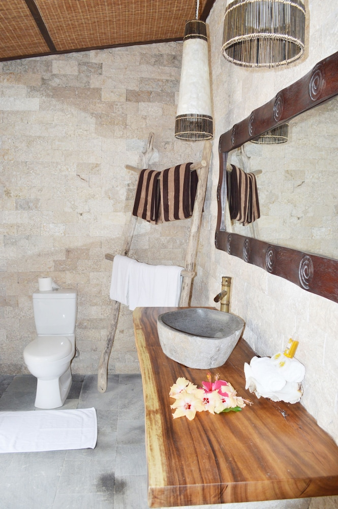 Bathroom, Mantaray Island Resort