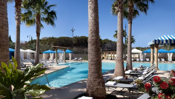 Outdoor pool, pool cabanas (surcharge), pool loungers