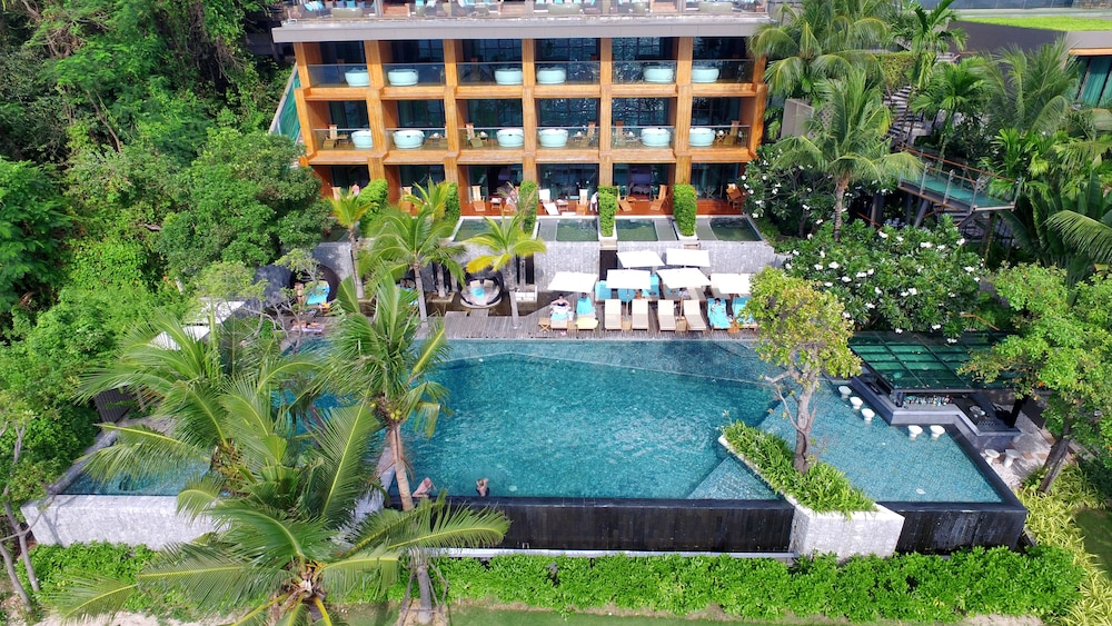 Outdoor Pool, Cape Dara Resort