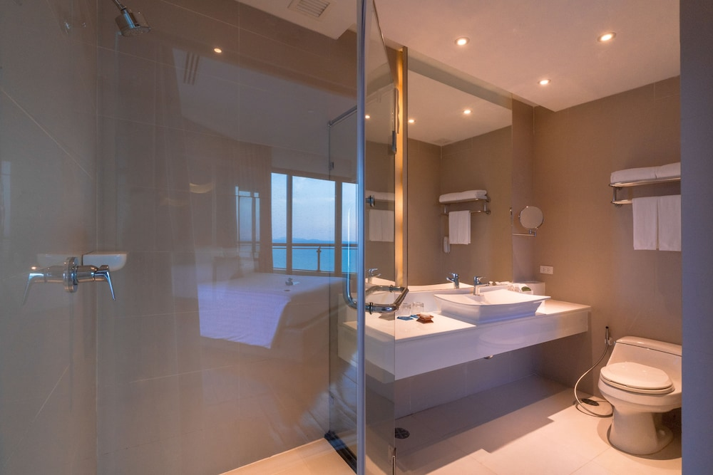 Bathroom, Cape Dara Resort