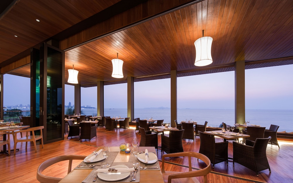 Dining, Cape Dara Resort