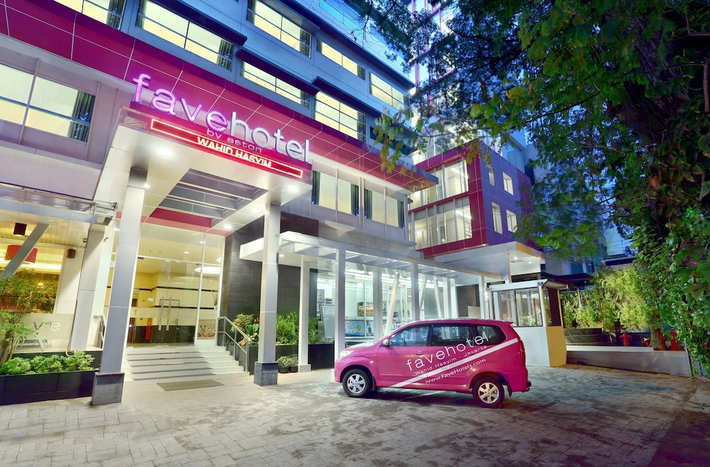 Featured Image, Favehotel Wahid Hasyim