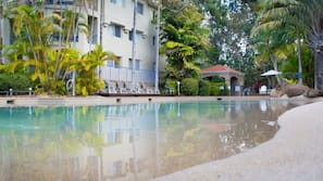 Outdoor pool, open 7 AM to 9 PM, sun loungers