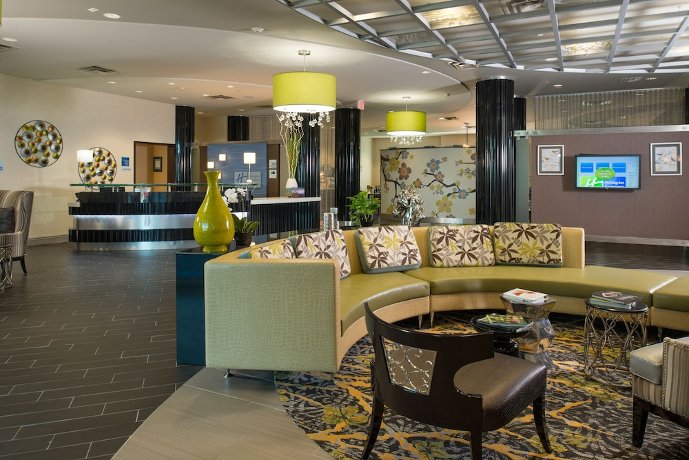Lobby, Holiday Inn Express and Suites Kansas City Airport