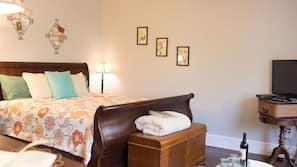 Individually decorated, individually furnished, free WiFi, linens