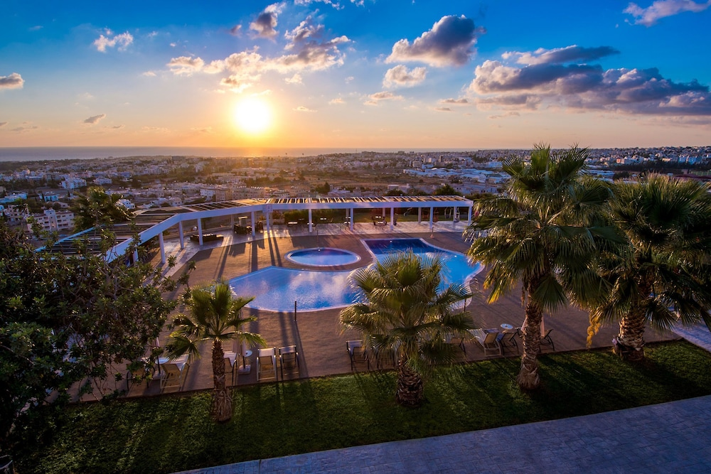 Royal Blue Hotel And Spa Paphos
