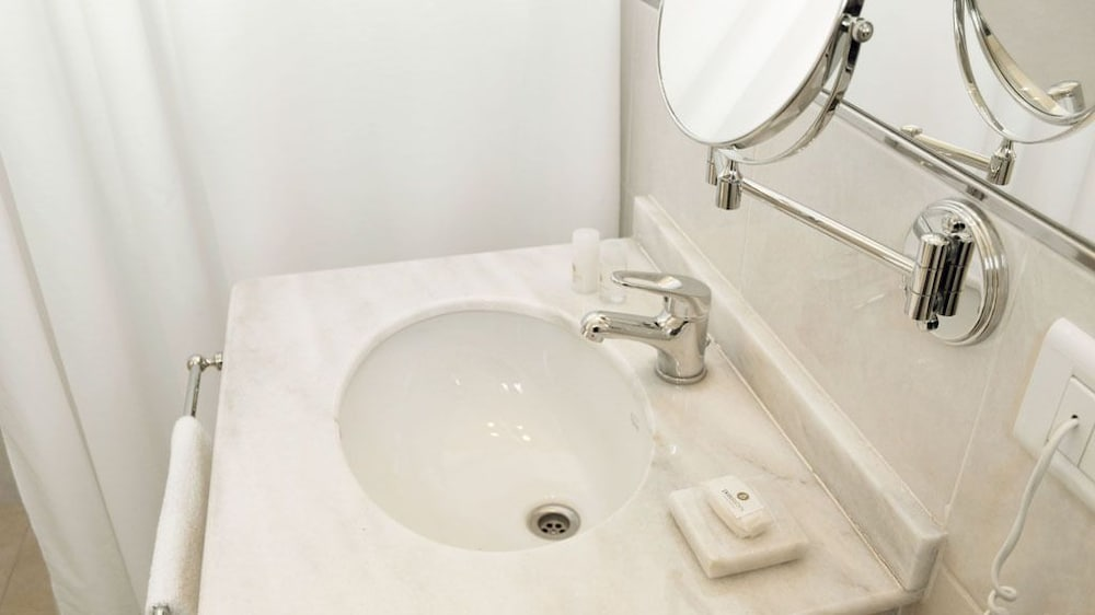 Bathroom Sink, Donsuites Apart Hotel