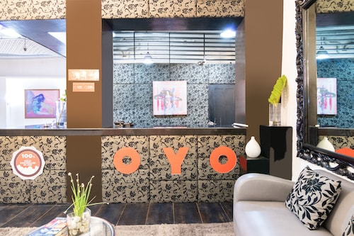 OYO 185 Seven Suites Observatory Hotel