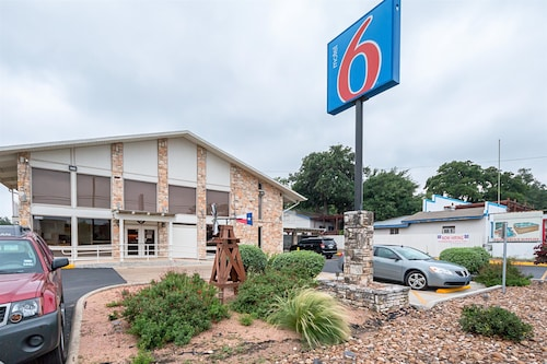Check Expedia for Availability of Motel 6 Boerne TX