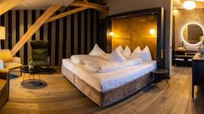 Daunenbettdecken, Pillowtop-Betten, Verdunkelungsvorhänge