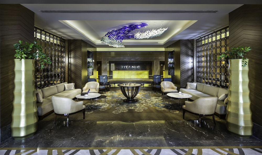 Lobby Sitting Area, Titanic Business Golden Horn