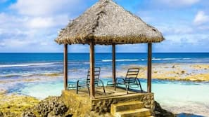 Private beach, sun-loungers, beach umbrellas, beach towels