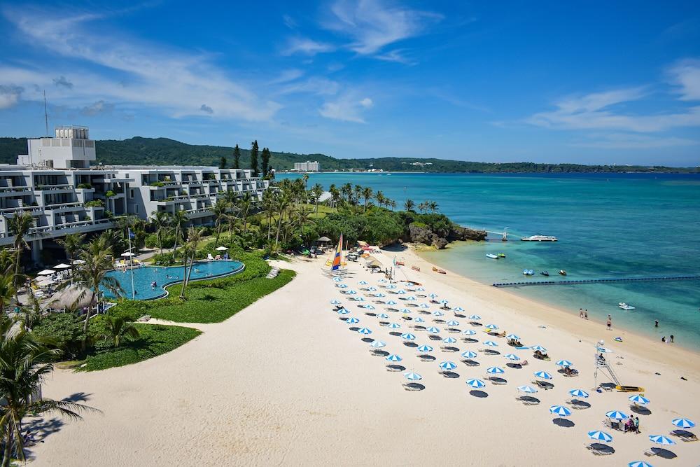 Hotel Moon Beach In Okinawa