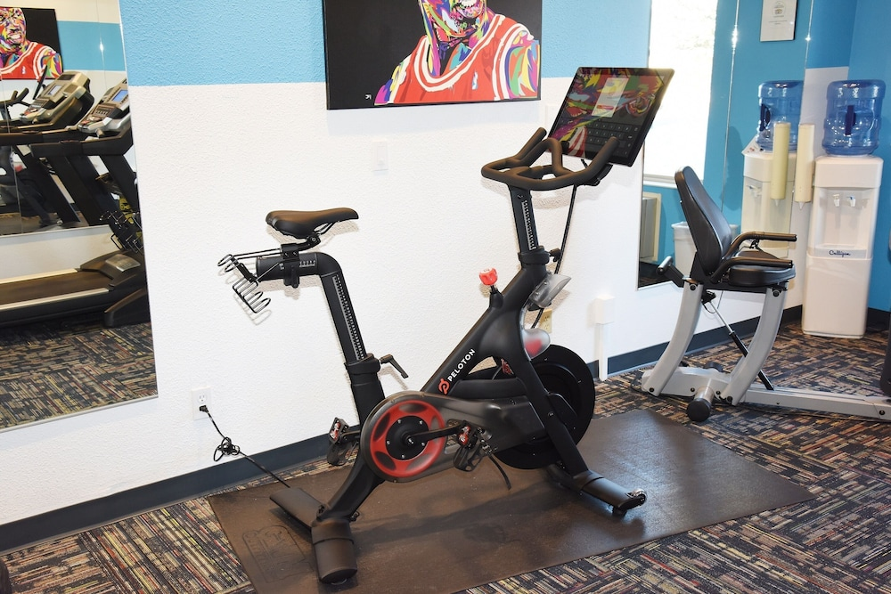 Fitness Facility, Wood River Inn & Suites