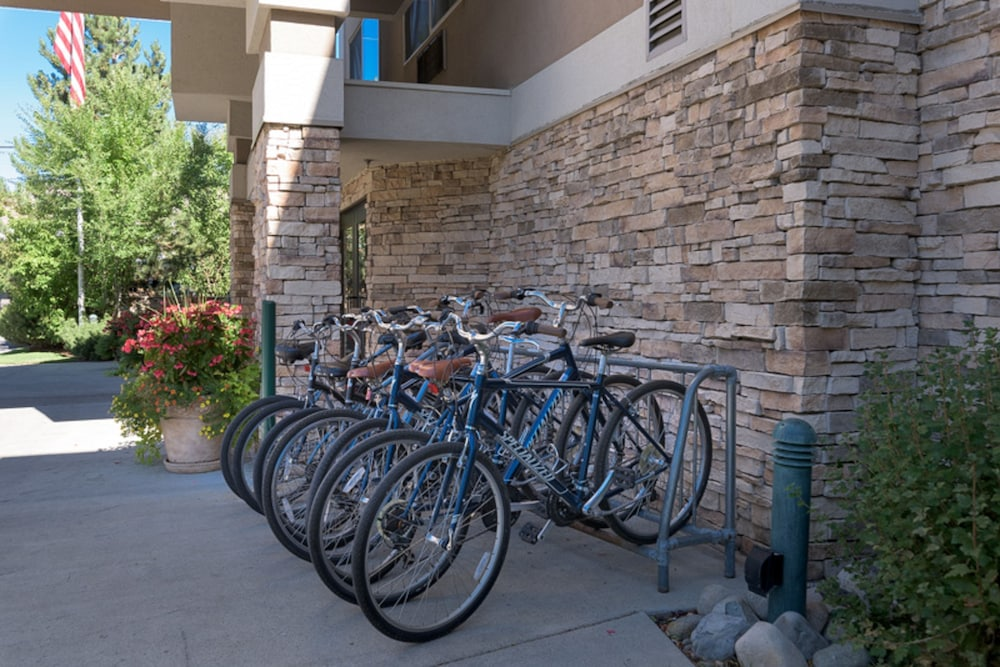 Bicycling, Wood River Inn & Suites