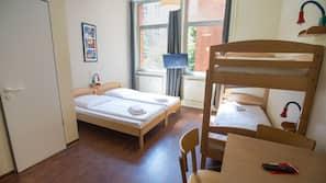 Caja fuerte, cortinas opacas, cunas o camas infantiles (de pago)