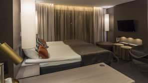 Minibar, värdeförvaringsskåp på rummet och strykjärn/strykbräda