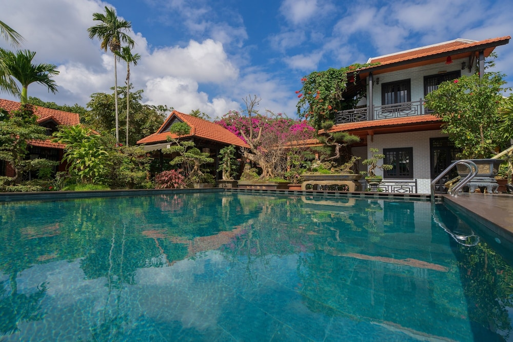 Outdoor Pool, Betel Garden Villas