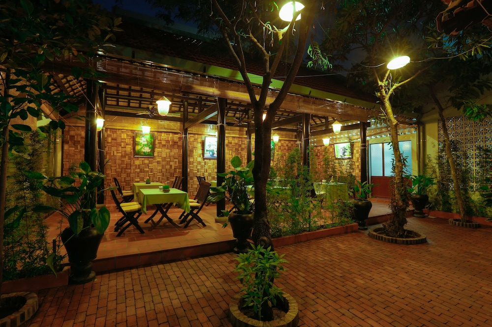 Food Court, Betel Garden Villas
