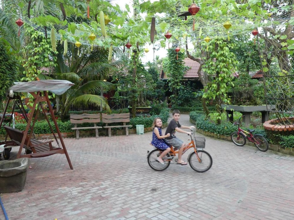 Bicycling, Betel Garden Villas