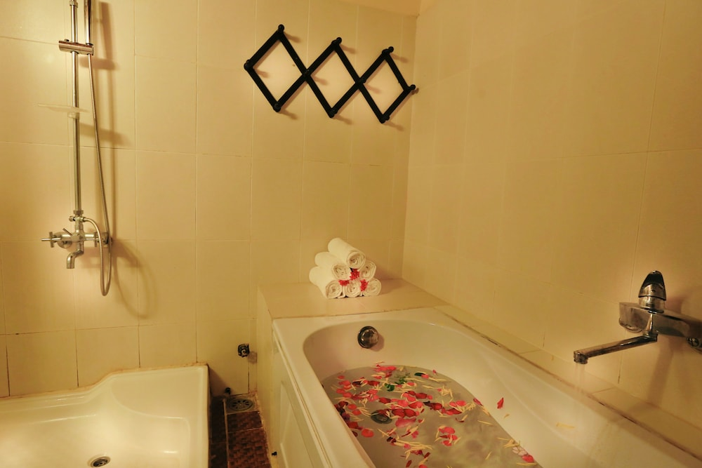Bathroom, Betel Garden Villas