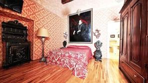Minibar, una cassaforte in camera, una scrivania, tende oscuranti