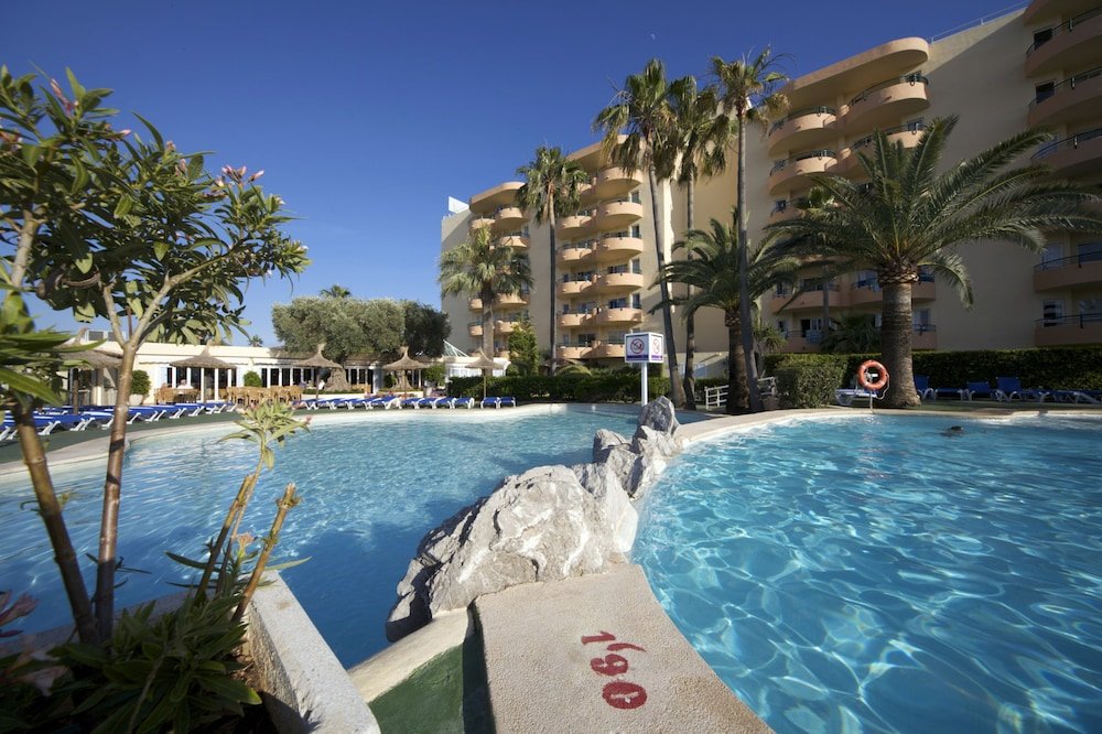 Aparthotel alc dia beach alcudia esp expedia for Designhotel mallorca strand