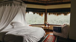 Frette Italian sheets, premium bedding, down comforters, in-room safe