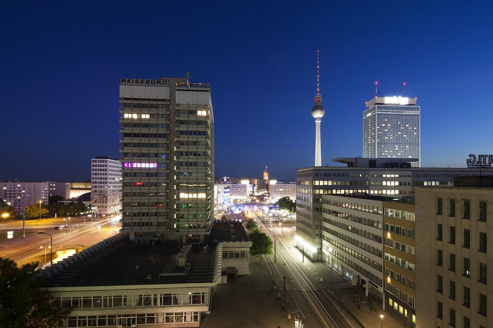 Hotel indigo berlin alexanderplatz berlin germany for Alexanderplatz hotel