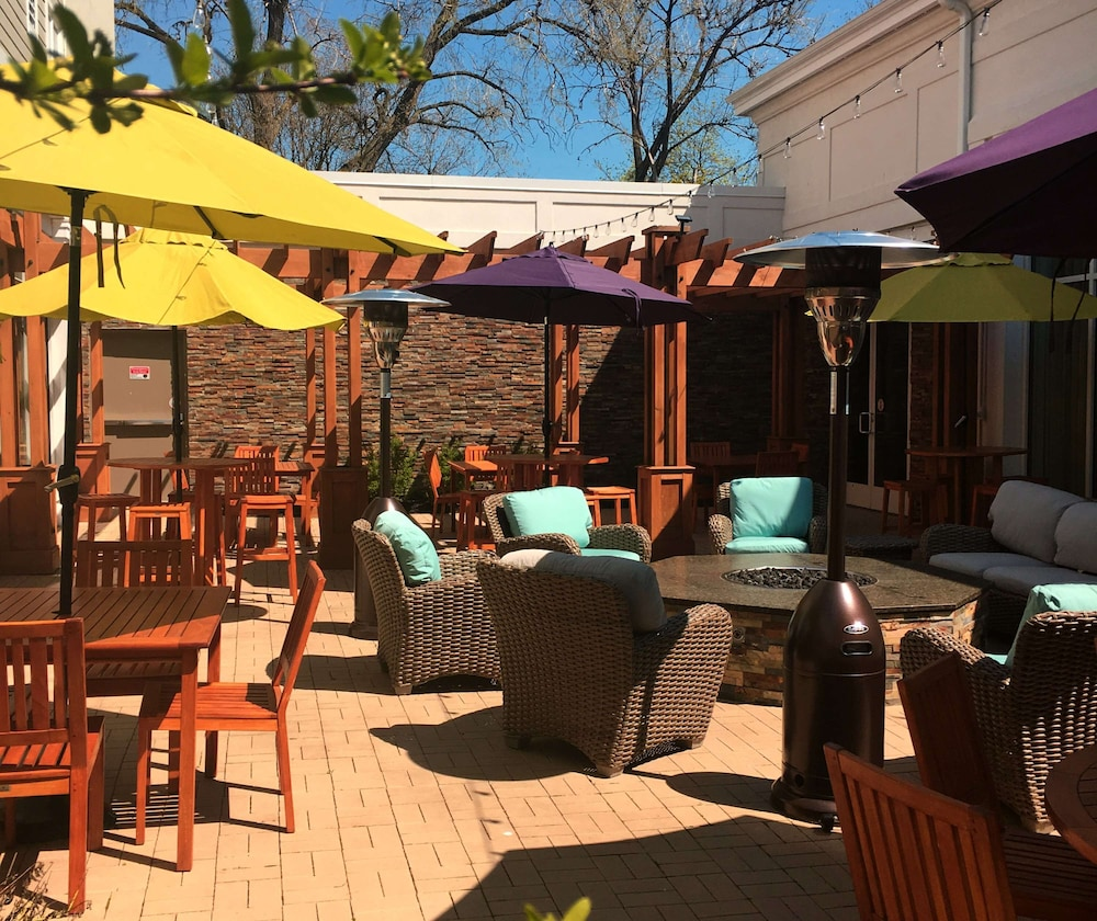 Terrace/Patio, Hilton Garden Inn Auburn