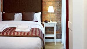 Egyptian cotton sheets, down duvets, in-room safe, iron/ironing board
