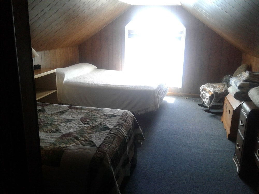 Room, Lake Front Rental!!!