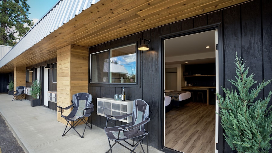 Outdoors Inn